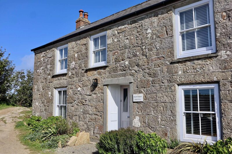 Newfort House Holiday Cottage Luxury Self Catering, vacation rental in St Mary's