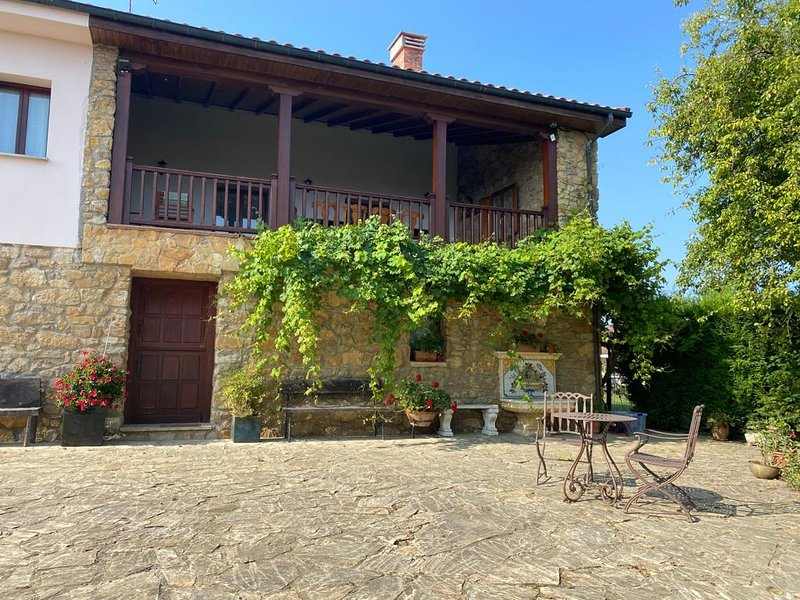 La casona de Latores, holiday rental in Mieres