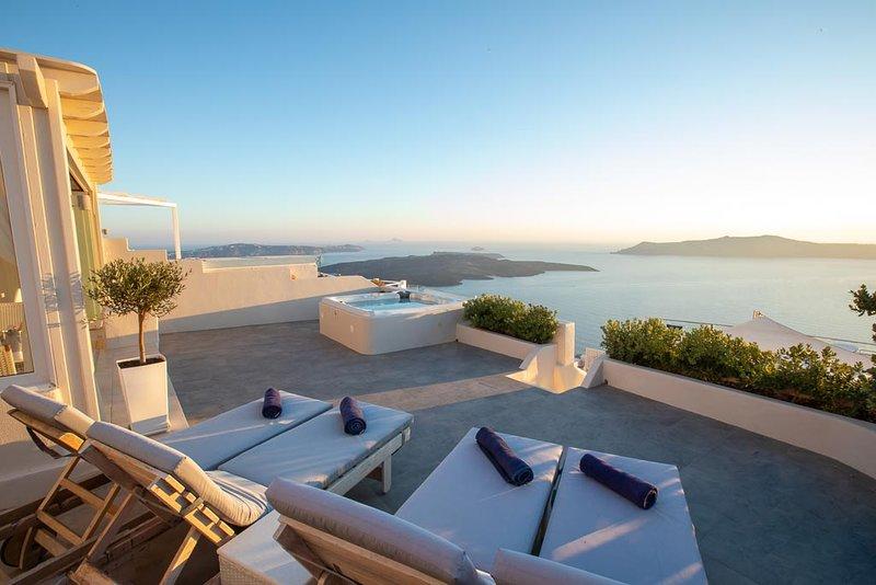 Sunset View Villa Santorini, aluguéis de temporada em Santorini