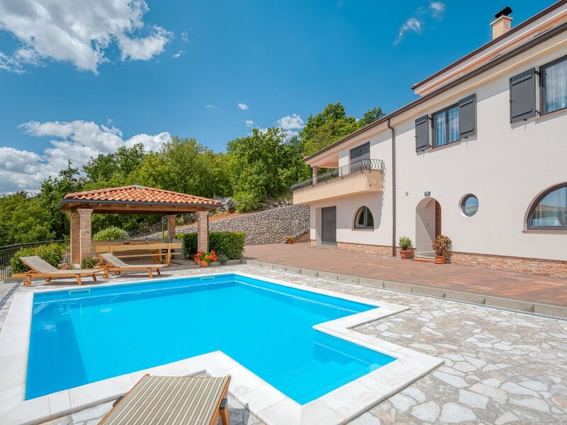Villa Toni, vacation rental in Sarsoni