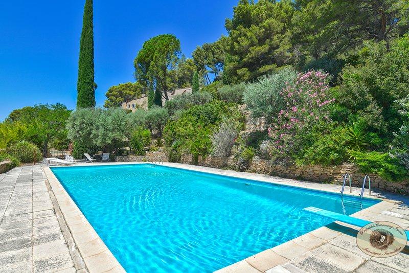 Ancienne bastide avec piscine et tennis, vacation rental in Le Beausset
