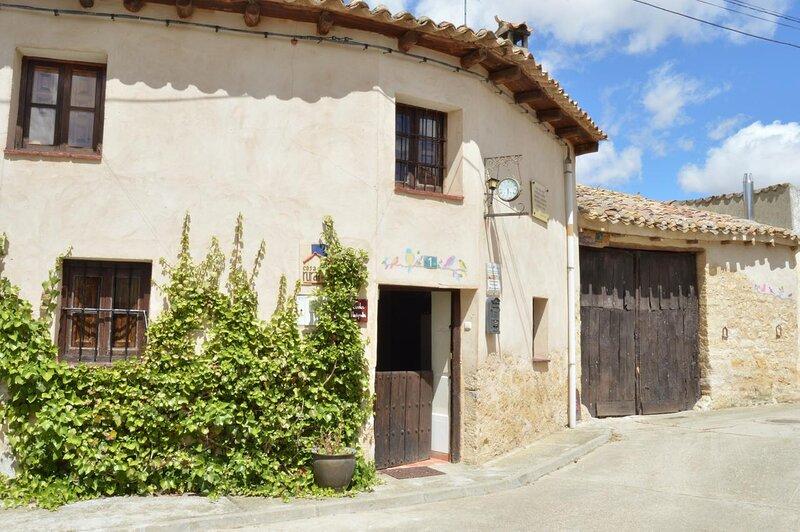 Casa Rural Lindos Huéspedes en Villasexmir, Valladolid, alquiler de vacaciones en Provincia de Valladolid