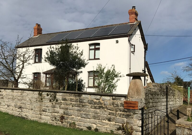 May Blossom Cottage, holiday rental in Huntworth