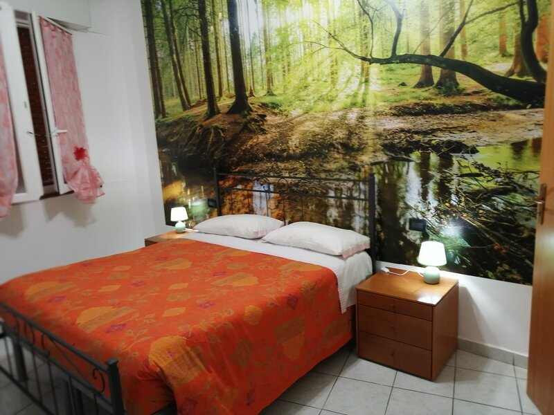 STRUTTURA RICETTIVA (APPARTAMENTO) 'COME A CASA TUA ', vacation rental in Agugliano
