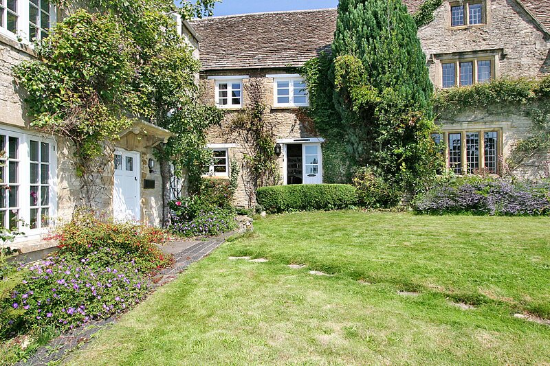 16th Century, Cotswold Stone Cottage in Burford, Oxfordshire, location de vacances à Holwell