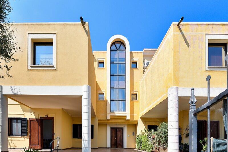 Sunnny Flat 2 bedrooms in Girasole, Ferienwohnung in Girasole