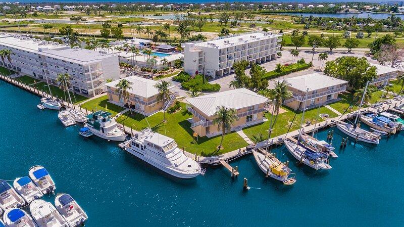 Skipjack Resort & Marina, 1BR Mini Suite, 3 Night Stay, vacation rental in Marathon Shores