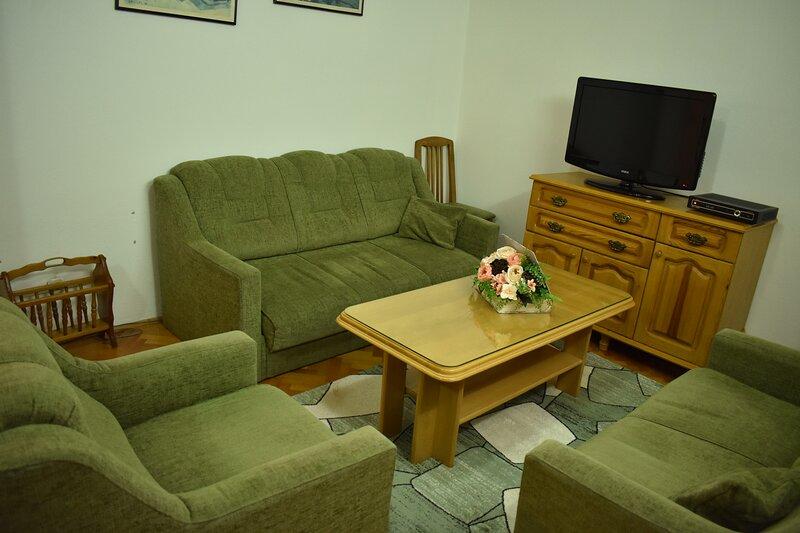 BAKI Apartment Ohrid, location de vacances à Pestani
