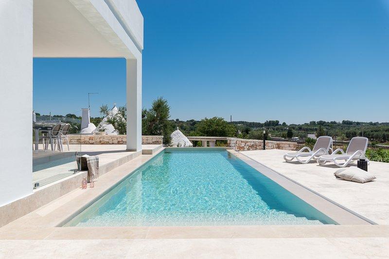 Charming villa with pool in Valle d'Itria, casa vacanza a Costa Merlata