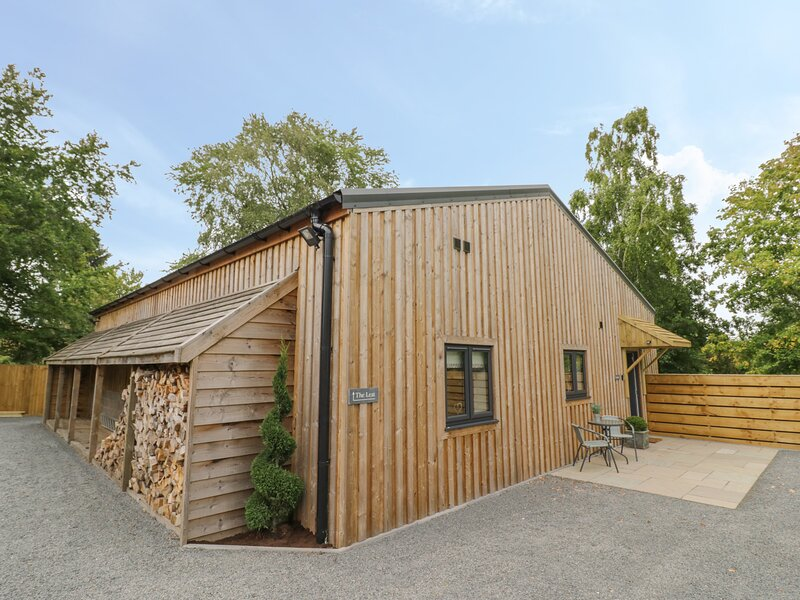 The Barn, Hanbury, holiday rental in North Piddle