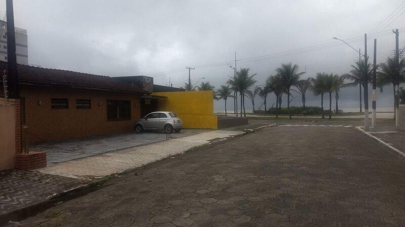 Ampla casa esquina da praia., aluguéis de temporada em Praia Grande