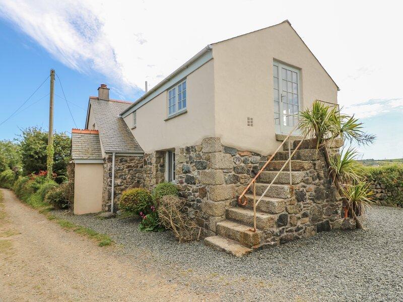 Higher Roskorwell Cottage, St Keverne, holiday rental in Gillan