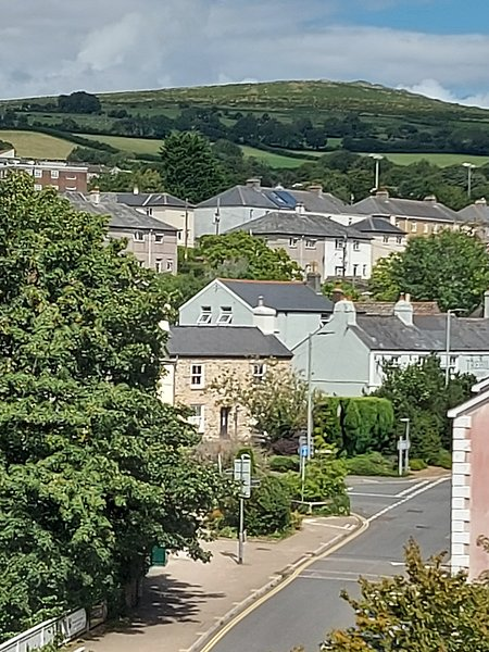 Lovely Bright 1 Bedroom Penthouse Apartment in the centre of Ivybridge, Devon., holiday rental in Ivybridge