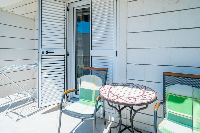 Villa Marija Adriatic-Standard Studio with Terrace, vacation rental in Srebreno