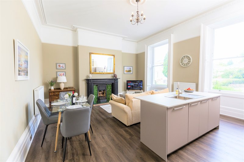 Elizabeth House, No 1 - By Luxury Apartments, location de vacances à Southam