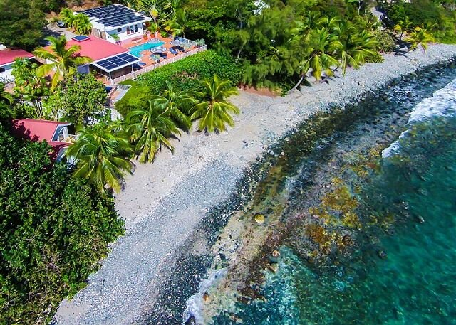Vida De Mar: Waterfront Villa! Full A/C! Huge Pool and Hot Tub!, vacation rental in Cruz Bay