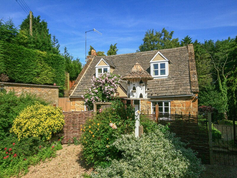 Hadcroft Cottage, Aston Magna, holiday rental in Paxford