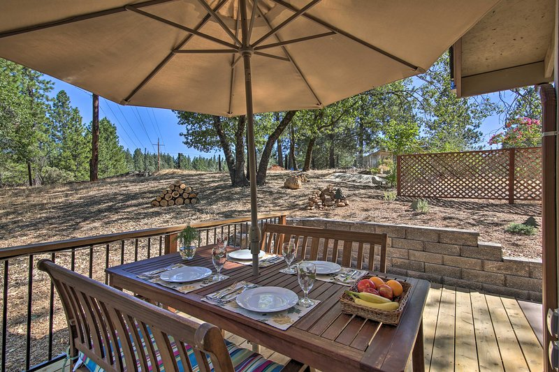 Peaceful Cottage Between Sacramento & Lake Tahoe!, casa vacanza a Pilot Hill