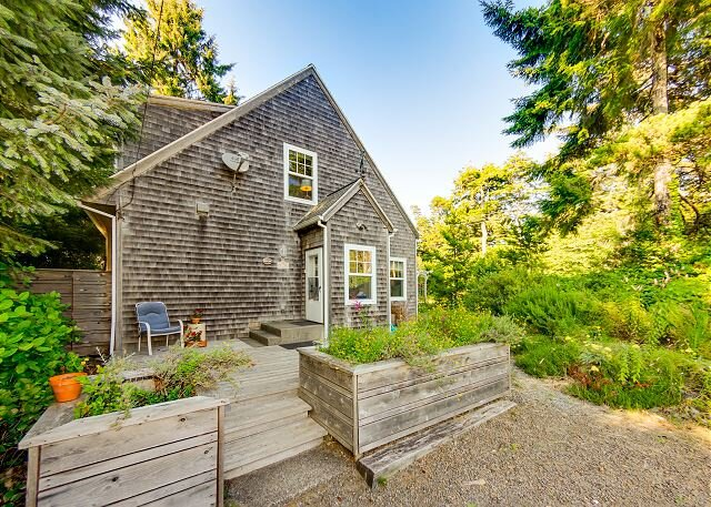 BELLA MAR~Elegant home near Nehalem State Park and 2 blocks from the beach., aluguéis de temporada em Manzanita