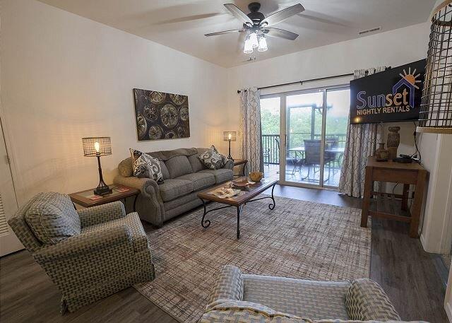 Simple Serenity - An enchanting 3 bedroom, 3 bath condo at Stonebridge Resort, alquiler de vacaciones en Branson