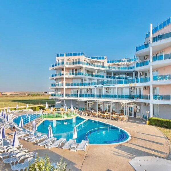Frontline beach apartment, vacation rental in Aheloy