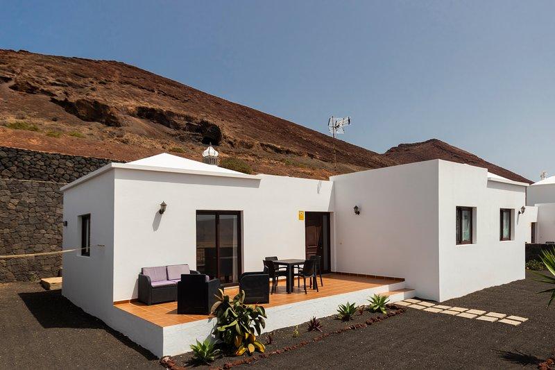 Villa Lanzarote Natura D, holiday rental in Soo