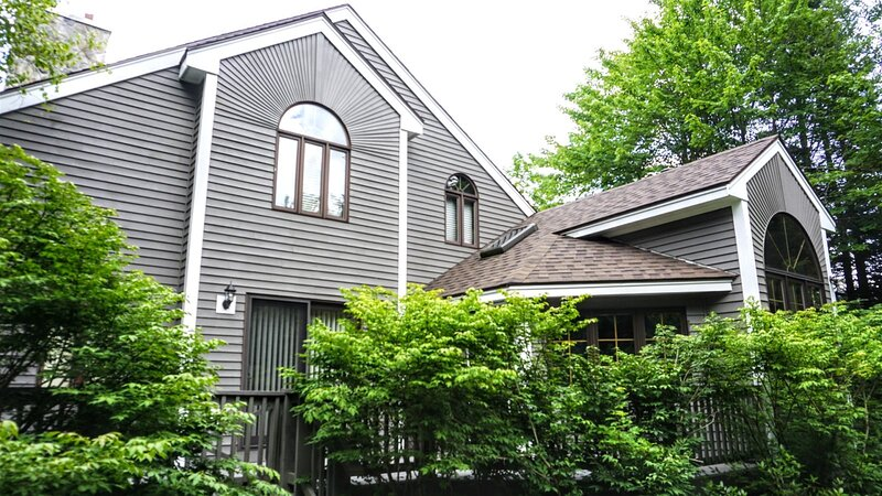 Private 4 Bedroom Vacation Home in the Waterville Valley Resort, vacation rental in Wonalancet