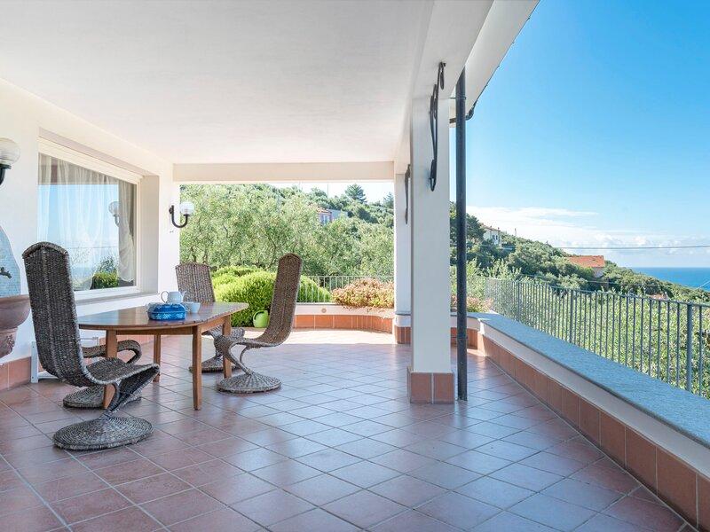 Alberto (DIA348), holiday rental in Diano San Pietro