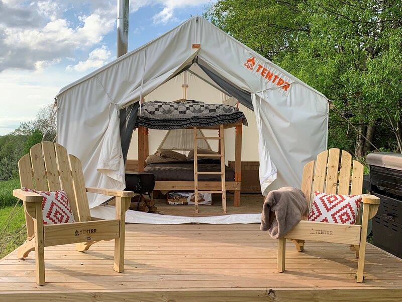 Tentrr Signature Site - Hilltop Getaway, location de vacances à Davenport