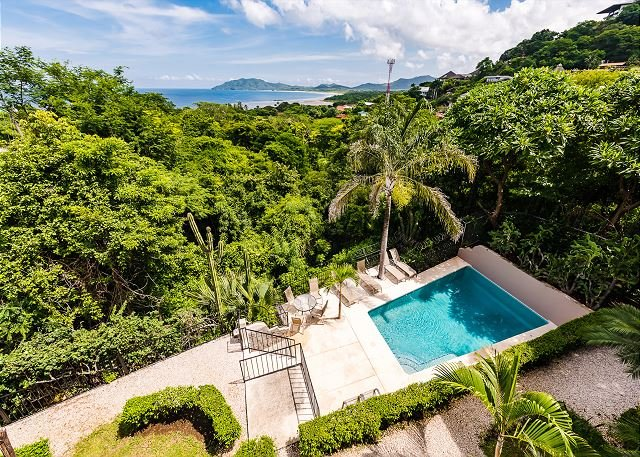 Cozy hillside condo oceanview, cable, kitchen, a/c, shared pool, vacation rental in Tamarindo