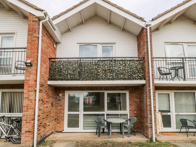 Waterside Villa, Corton, holiday rental in Corton