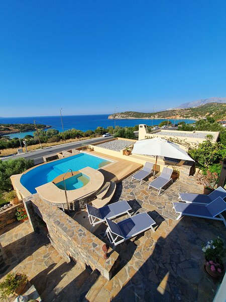 Villa Azure Sea by Voulisma beach, holiday rental in Prina