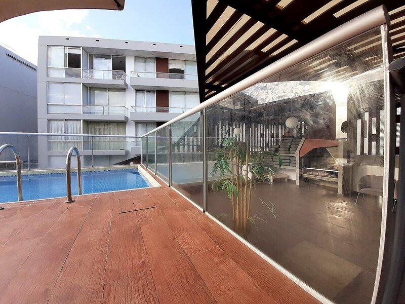 Apartamento Full equipado para Ejecutivos y Familia por temporadas cortas, holiday rental in Piura