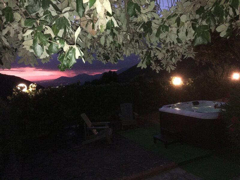 Villamaura, nella natura dei monti, a due passi dal mare.............., vacation rental in Frasso