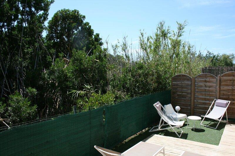 Ô Salins - Superbe appartement rez-de-jardin 6 personnes – 150 m de la plage, holiday rental in Giens