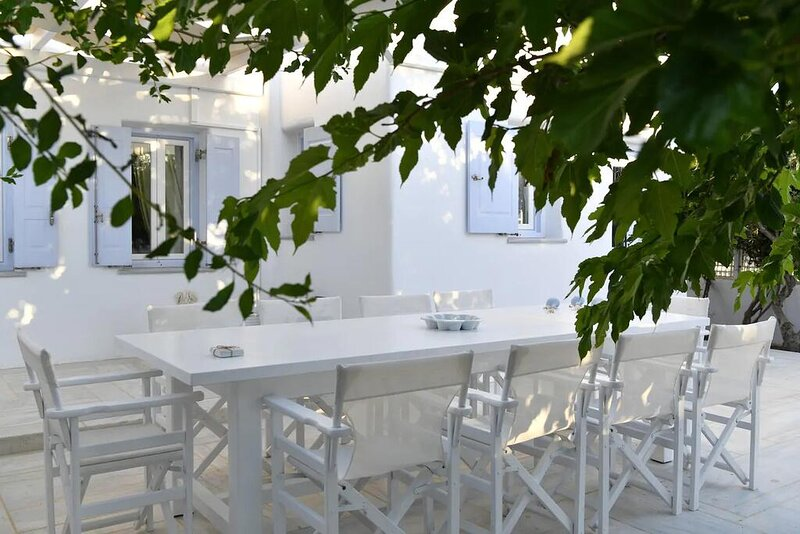 Villa ZEOS - Cycladic House in Ampelas, Paros, holiday rental in Ampelas