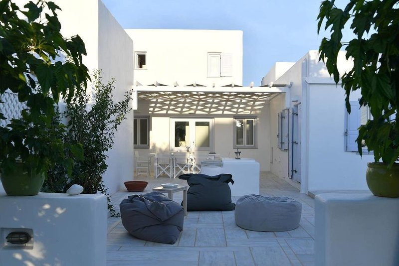 Villa PORFYRA - Cycladic House in Ampelas, Paros, holiday rental in Ampelas