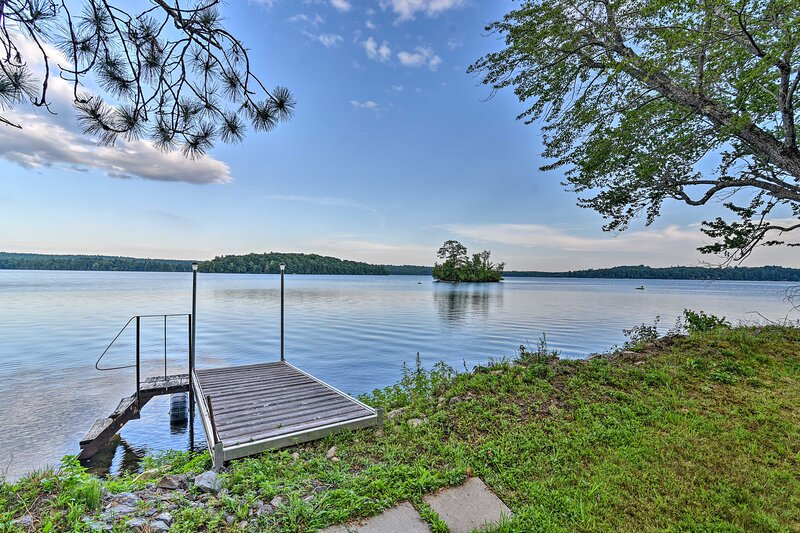 NEW! Life on the Lake w/ Private Dock & Fire Pit!, holiday rental in Greene