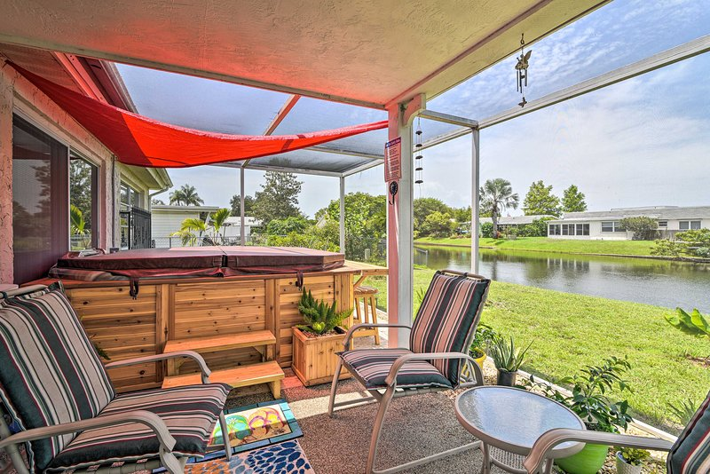 NEW! Waterfront House w/ Hot Tub + Pedal Boat!, holiday rental in Elfers