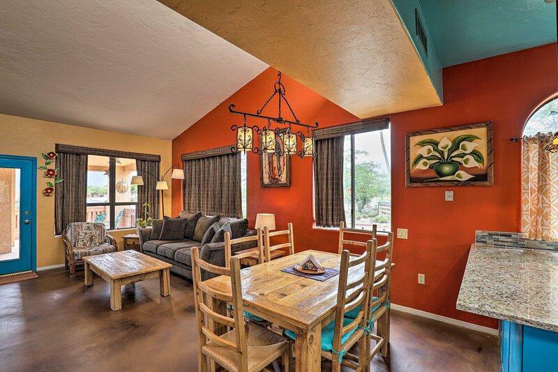 NEW! Colorful Casa in Resort Fit for Snowbirds!, alquiler vacacional en Amado
