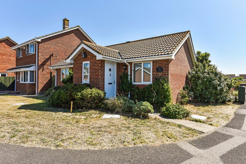 Little Marloes, Bracklesham, holiday rental in Bracklesham Bay