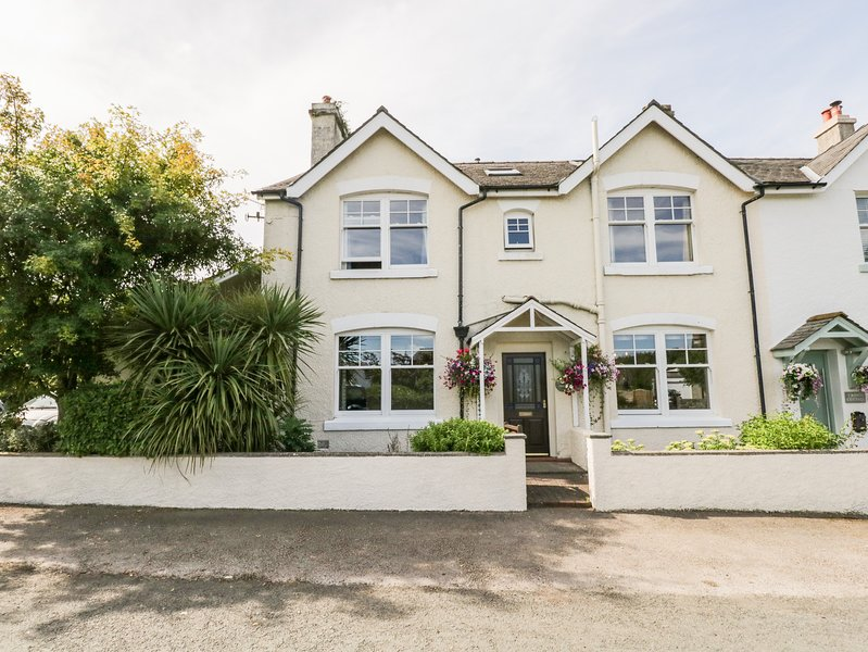Crown House, Ulverston, holiday rental in Dalton-in-Furness