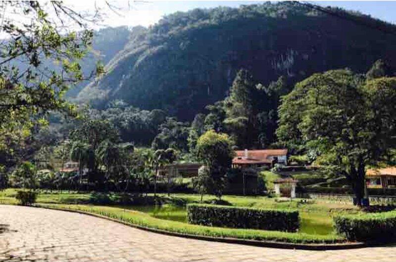 Casa na serra/ dia namorados/comemoracao/fondue/ Homeoffice/férias, location de vacances à Teresopolis