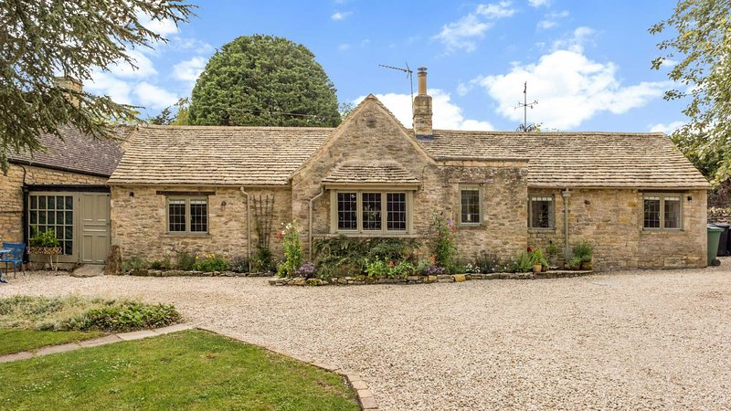 Scenic Family Home in the Cotswolds, vacation rental in Great Rissington