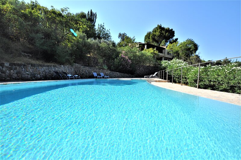 CAN RUPIT- Spectacular Villa next to Soller impressive mountain views.. - Free W, vacation rental in Soller