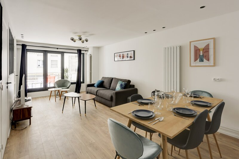 174 Suite Grenelle Luxury flat between the Seine river and the Eiffel Tower, casa vacanza a Vanves
