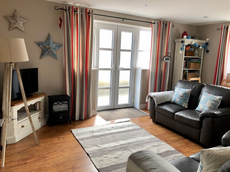 The Nook, Ground Floor Bijou Apartment, Beaumaris, holiday rental in Beaumaris