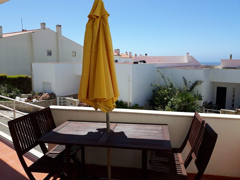 Villa Filipe - lovely 3 bedroom family holiday home, vacation rental in Ericeira