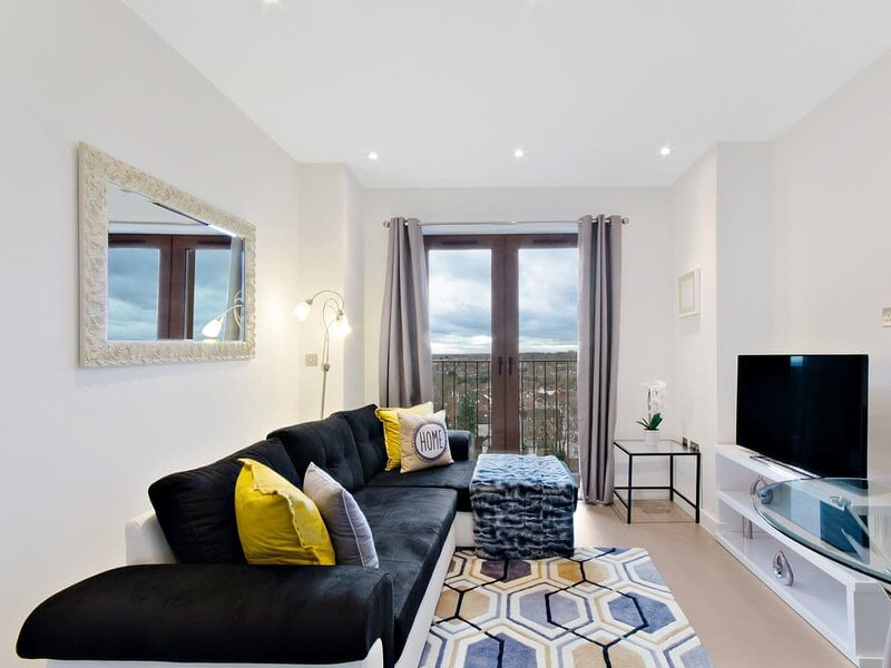 Red Rose Apartment, holiday rental in Hatfield
