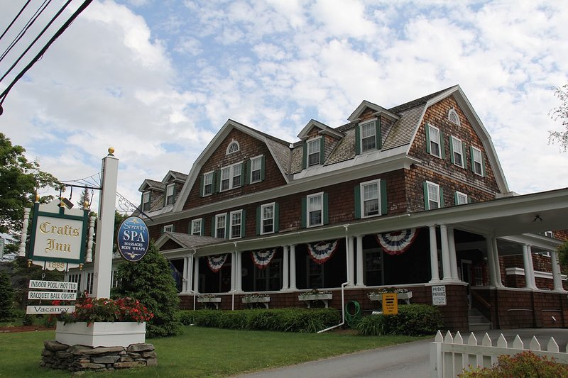 Crafts Inn in Vermont 1BR Suite, SATURDAY Check-In, holiday rental in Wilmington